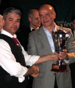Clauido Bono premia Giovanni Triunfo